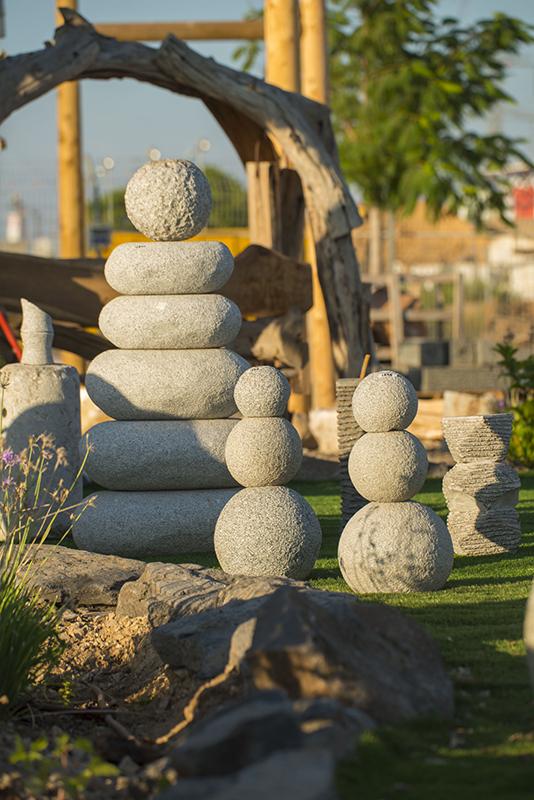 כפר הסלעים מבית סלעים.קום, סלעים לגינה